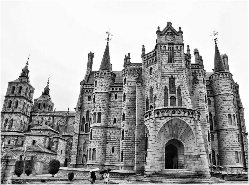 B&W image of the Episcopal Palace of Astorga