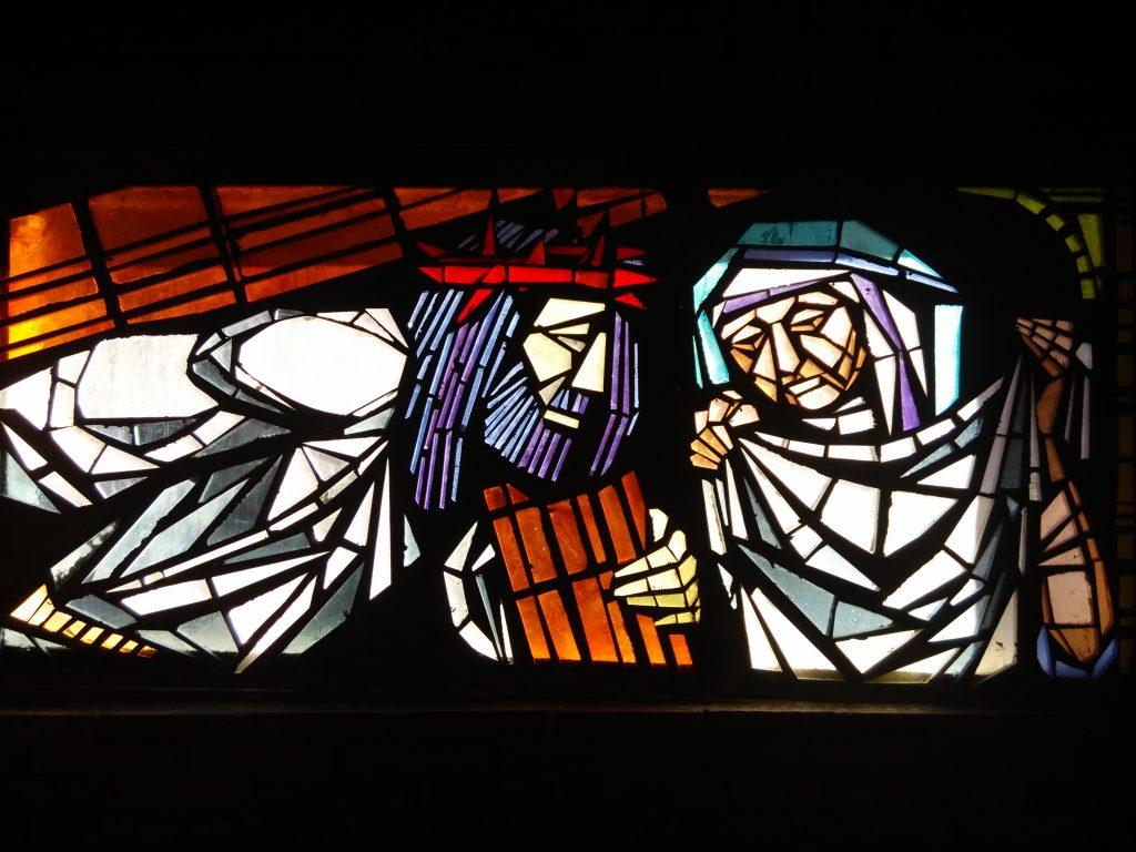 La Verónica limpia el rostro de Jesús - VI (vidriera en la Iglesia de Rectivía de Astorga)