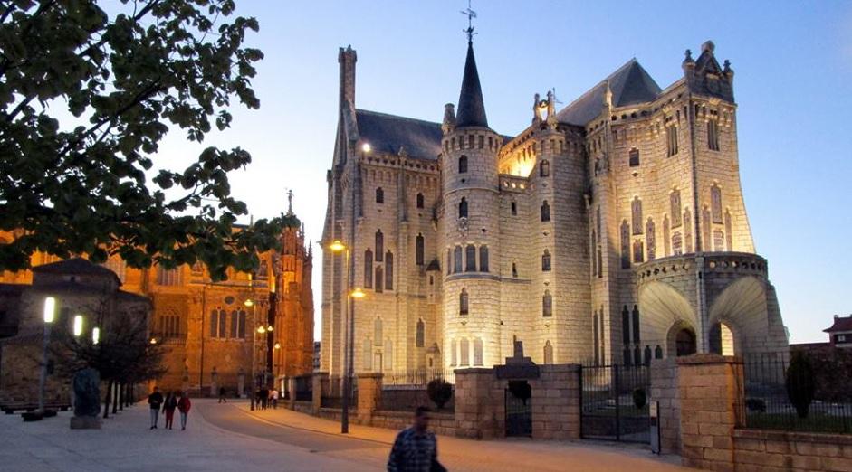 Bisschoppelijk paleis van Gaudi in Astorga (Spanje)